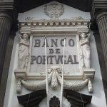 Public debt shrinks by €900 million